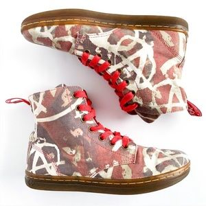Dr. Martens Hackney Anarchy Boots